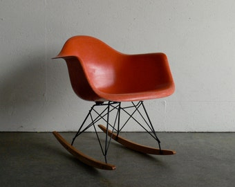 Eames for Herman Miller Fiberglass Rocking Chair-RAR