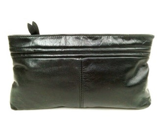 Vtg 70s Perfectly Basic BLACK LEATHER CLUTCH