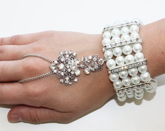 1920's Great Gatsby Inspired Floral Crystal Pearl Hand Chain Bracelet Handpiece