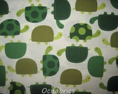 1 Yard URBAN ZOOLOGIE Cotton Fabric Green Turtles On Off White Robert Kaufman BTY