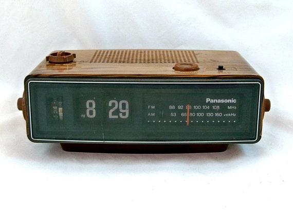1970s Panasonic Flip Clock Am Fm Radio With Working Flip