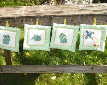 Frog Turtle Dragonfly Duck Quilted Child Wall Hangings Set of 4 Baby Room Nursery Tapestry Home Decor