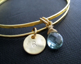 Birthstone and initial bangles, Personalized bangles, set of 2 gold hammered bangle bracelet, personalized bridesmaid jewelry, initial charm