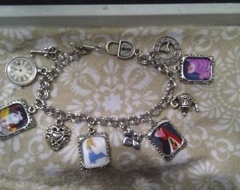 Alice in Wonderland Charm bracelet queen of hearts cheshire cat