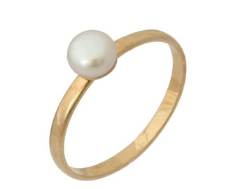 Classic Polished Pearl Engagement Ring in Rose Gold