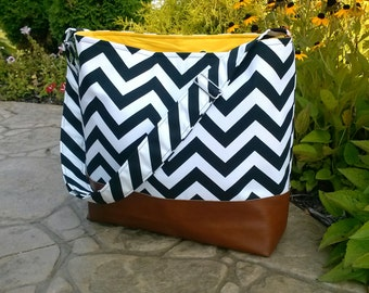 Chevron Messenger Bag made with brown leather, Diaper bag in black zig zag and leather, Purse, Everything Bag, Zig Zag,