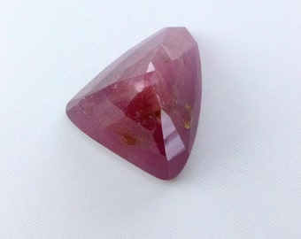 RUBY. Raspberry RED . StUnnInG FreeForm TrIaNgLe TaVeRnIeR CuT. Rose Cut. Ring Stone Size 1pc. 26.80 cts 20x17x12.5mm (Ru385)