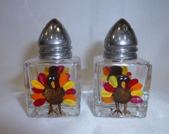 Hand Painted Mini Salt and Pepper Shakers Turkeys Thanksgiving Harvest Fall Autumn