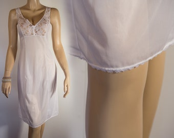 Very attractive XL plus size silky soft  white lace trimmed  vintage full slip 1980's vintage - PL365
