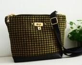 Sample Sale - Naughty weekend purse - Golden Lock houndstooth