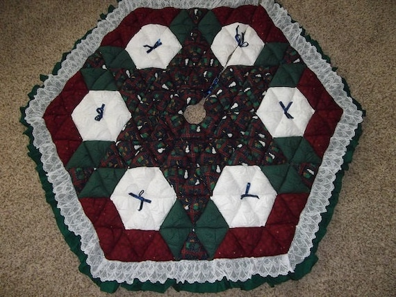 Christmas Tree Skirt - Biscuit Quilted - Let It Snow