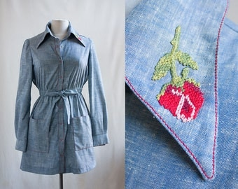 Vintage 70s Chambray Dress / Embroidered Rose Collar / Young Edwardian / Small