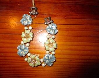 Superb Victorian SLIDE CHARM Vintage Gold Plate Enamel Bracelet - 7 Flower (PANSIES) Charms & Faux Pearls