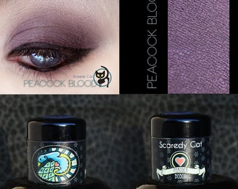 Burgundy Eye Shadow - Loose Mineral Pigment Eyeshadow - Scaredy Cat - PEACOCK BLOOD - 5 mL Sifter