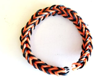ORANGE and BLACK Halloween Rainbow Loom Bracelet, Fishtail Style.  This Is A Size 7 Bracelet Made for A Teen or Adult.  Perfect for Fall!