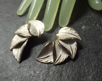 "Vintage 1 "" Goldtone Silvertone Metallic Beaded Clip On Earrings"
