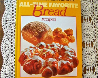 Vintage Bread Cookbook Better Homes and Gardens Fresh Baked Bread Recipes Yeast Bread Retro Kitchen 1981