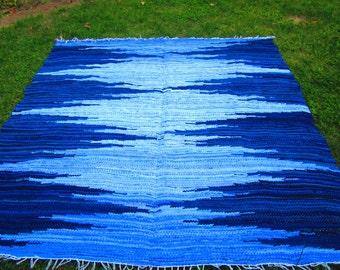 Large Hand woven rag rug - 6' x 6.29'' ,,Dark blue, light blue, zigzag'' ready to ship