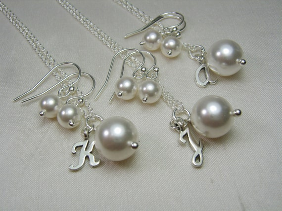 Bridesmaid Jewelry Set of 4 Personalize Bridesmaid Necklace Earrings Pearl Initial Necklace Bridesmaid Gift Wedding Jewelry Bridal Jewelry