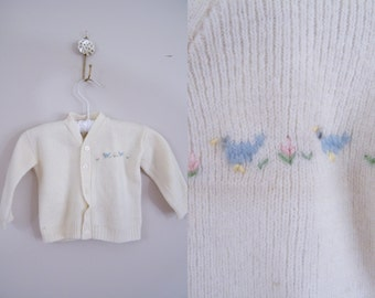Vintage 1950s Baby Sweater / Cream Cardigan with Chick Embroidery / Knitown