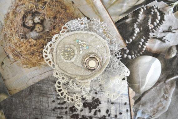 sale - VERY GReY shine broche - vintage lace - bridal grey - pin broach