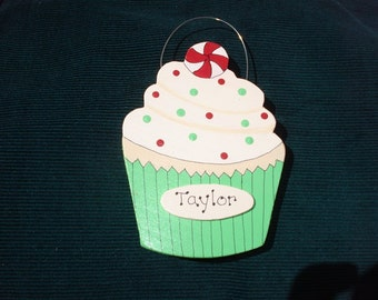 Personalized Wood Christmas Ornament - Cupcake