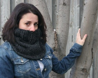 Chunky Cowl Scarf Infinity Loop in Charcoal /THE ALMONTE