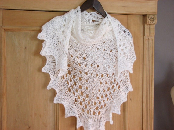White Cloud - hand knitted shawl cashmere