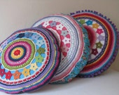 Round Crochet Pillow Cover with Flowers, PDF-Pattern