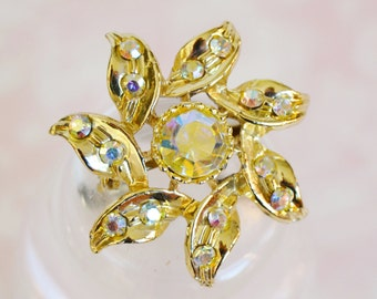 Vintage Gold and Rhinestone Star Flower Brooch