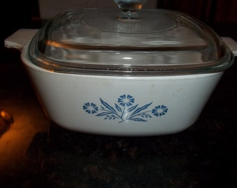 Corning Ware  11/2Quart Corn Flower Casserole Dish P-1 1/2-B with lid