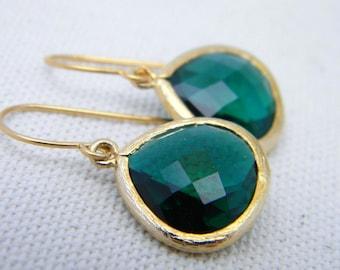 Emerald Green Earrings in Gold -Dangle Earrings-Drop Earrings-Bridesmaid Gift