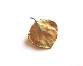 Vintage Gold Tone Aspen Leaf Brooch Pin Small Natural Golden Accent Fashion Accessory Woodland Style FREE SHIPPING!