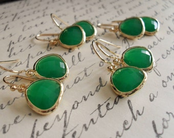 Bridesmaid Set of 4 Pairs / Gold Framed Faceted EMERALD GREEN Drop EARRINGS / Jade Green / Framed Glass / Dangle /  Simple Green / Elegant