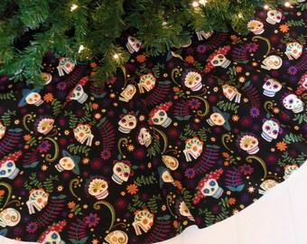 Day of the Dead Christmas Tree Skirt, Sugar Skulls Tree Skirt, Dia de los Muertos Decoration, Cinco de Mayo Decor, Skulls Christmas Decor