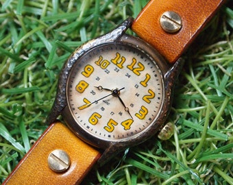 Vintage Woman Handcraft Wrist Watch with Handstitch Leather Band /// Retronna - Perfect Gift for Birthday and Anniversary