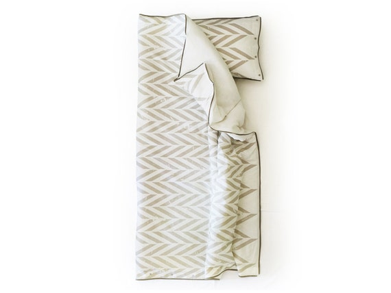 Linen duvet cover Toddler size with corduroy piping Grey Chevron Zig Zag by Lovely Home Idea