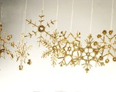 Golden Crochet snowflakes, Christmas tree gold ornaments, snowflakes decoration, handmade holiday ornaments, gold appliques, set of 6