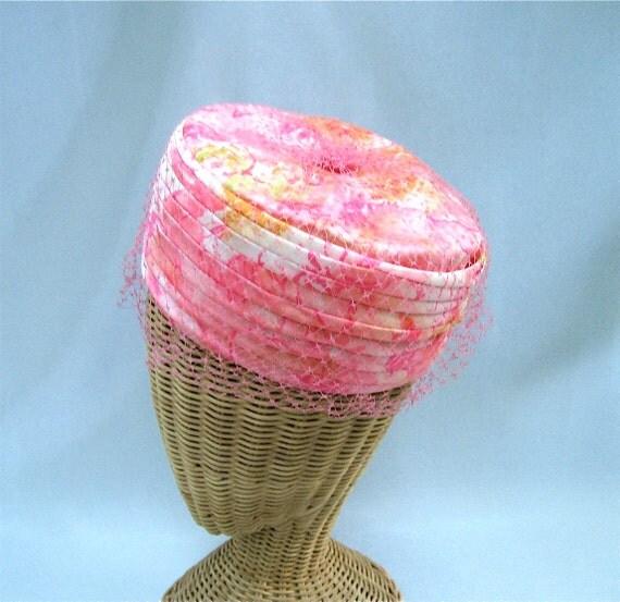 Vintage Ladies Pillbox Hat Pink White Satin Veil