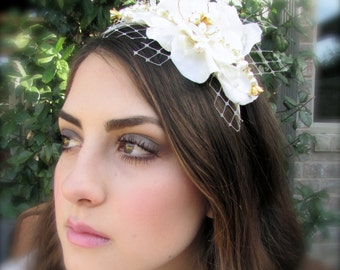 Vintage inspired elegant beige flower bridal headband