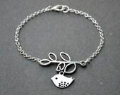 CIJ sale, Christmas in July, silver bird bracelet, bridesmaids bracelet bangle beadwork, chain charm boho eco friendly friendship bracelet