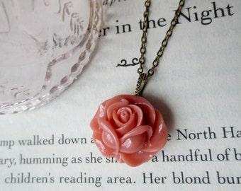 Pink rose necklace- Pink flower necklace- Vintage style rose necklace- Petite rose necklace- Rosebud necklace- Mauve necklace- Mauve pink