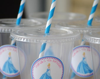 12 Cinderella Party Cups with lids and straws