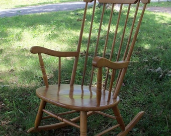 Windsor Rocker Maple With Gold Barely Vintage Yugoslavian Made Beautiful Find