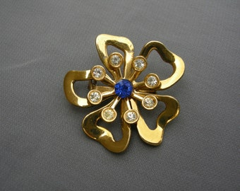 Vintage gold and rhinestone flower pin/brooch
