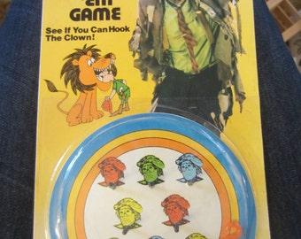 Vintage 1970s EMMETT KELLY Jr Hook ' EM Game Hong Kong clown kitschy fun circus ring toss challenge