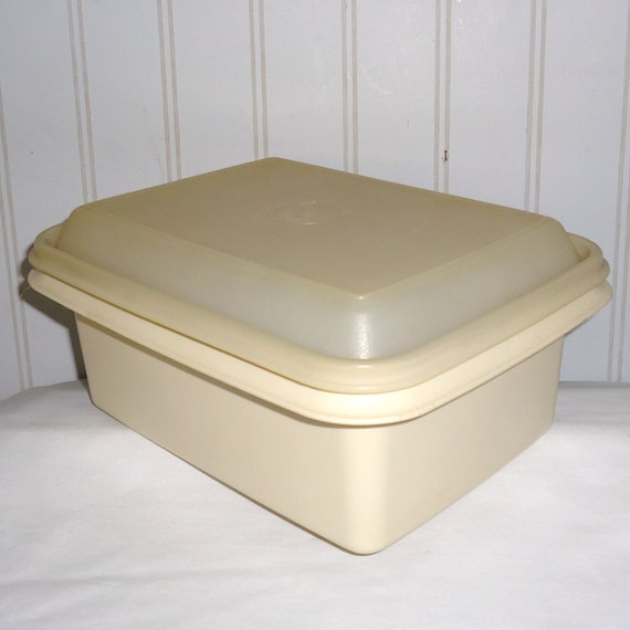 Tupperware Almond ice cream container Freeze N Save Vintage