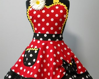 Womens APRON-PLUS SIZE Spirit of Minnie Flounce Apron