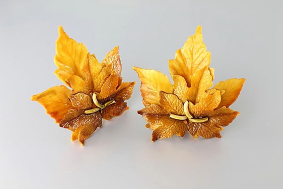 Vintage Maple Leaf Earrings plastic celluloid Yellow Brown fall autumn 1950s jewelry