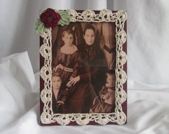 5 x 7 Photo Frame - Crochet Edging - Victorian Style